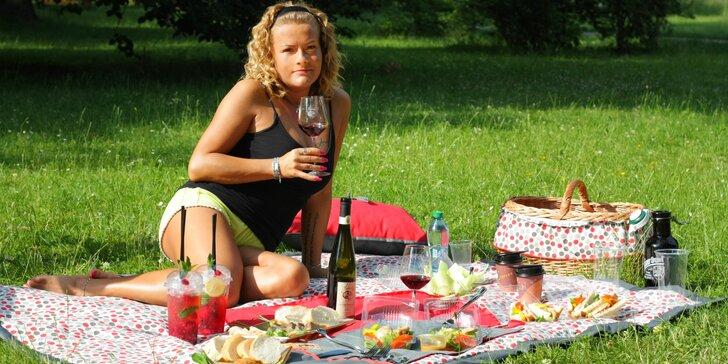 Parádní piknikové koše pro 2: víno, ministeaky nebo bezlepkové dobroty