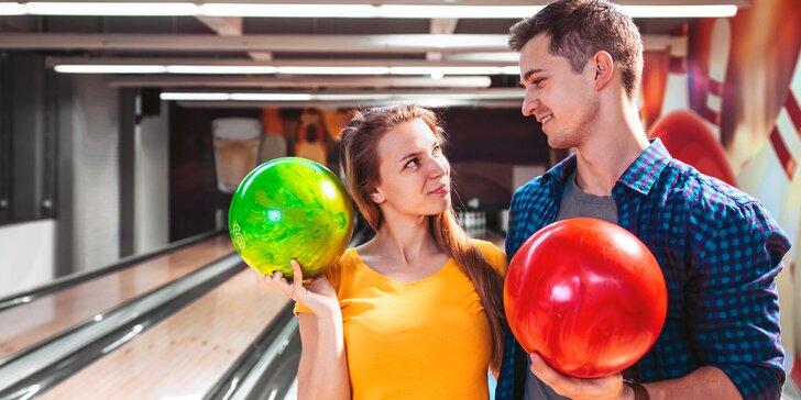 Bowling pro celou partu: jedna nebo dvě dráhy i s dětskými mantinely