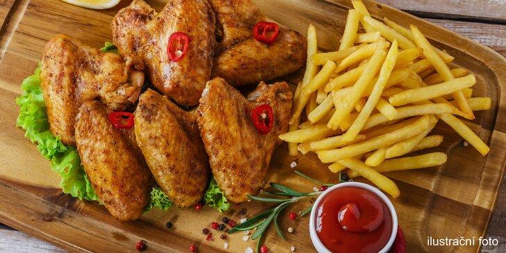 Kilo křidélek s hranolky dle vašeho výběru – na indický způsob nebo na grilu