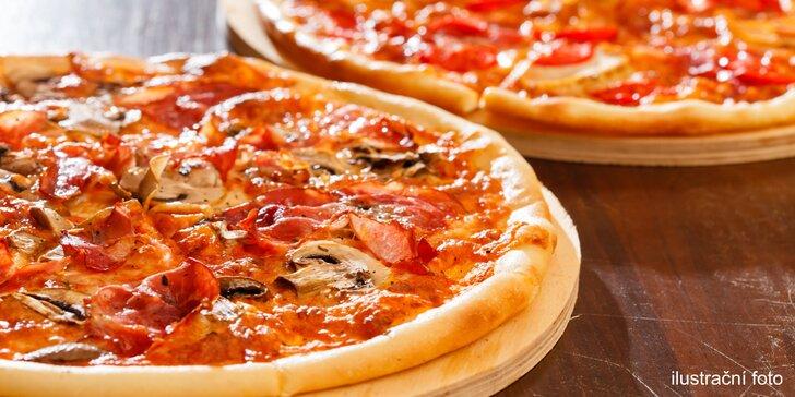 2 libovolné pizzy dle výběru ze 40 druhů a možnost zahrát si minigolf