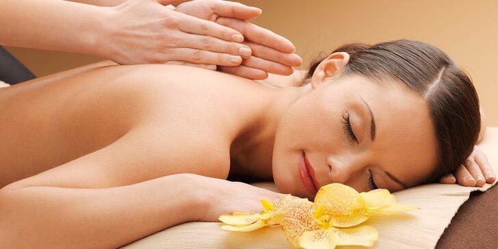 Masáže dle vašeho výběru: terapeutická hloubková nebo lávové kameny