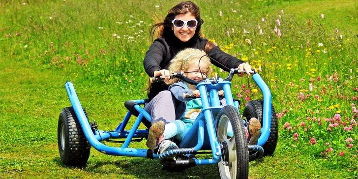 Celý den v dětském parku na Božím Daru a jízdy na káře nebo koloběžce
