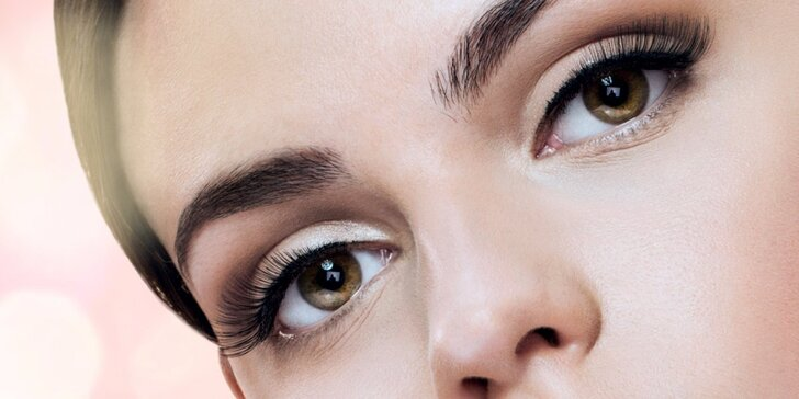 Prodloužení řas a zvětšení jejich objemu metodou Lash Lifting Lash Botox