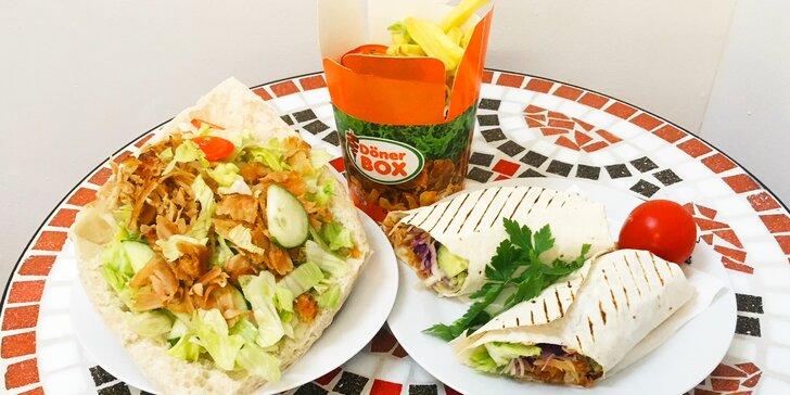 Döner kebab nebo durüm a nápoj v tureckém bistru; na výběr i box s hranolky