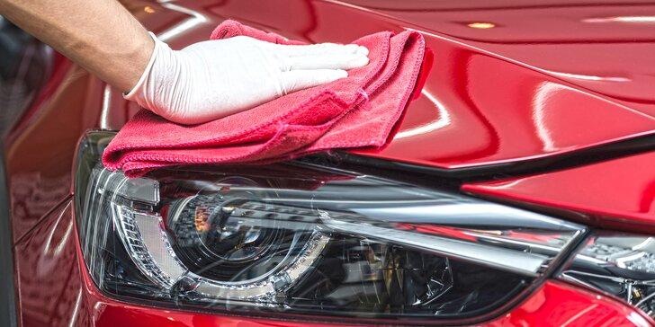 Ruční mytí vozu včetně voskování nebo interiérové čištění