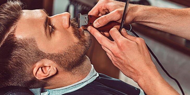 Dokonalá péče v barber shopu: klasický pánský střih i holení hot towel