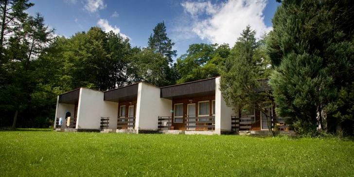 Letní relax na Vranově: pobyt ve starším bungalovu u Vranovské přehrady