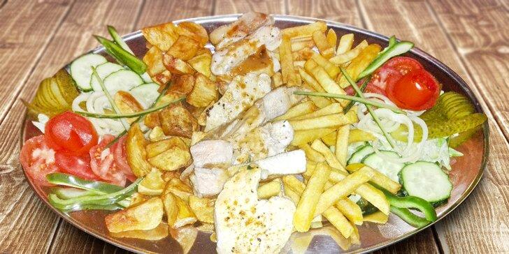 Večeře pro dva: výběr grilovaných mas, přílohy i trojice omáček