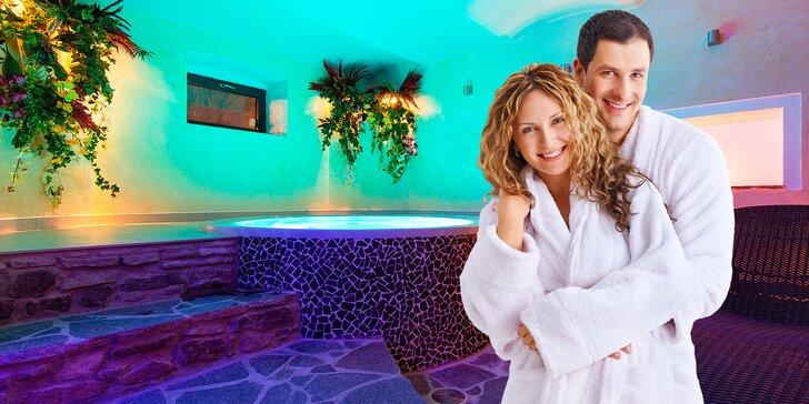 90 min. privátního wellness pro 2: romantika i relax ve vířivce či sauně