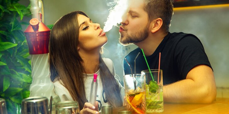 Prima večer v Riu: vodní dýmka s českým tabákem a dva koktejly