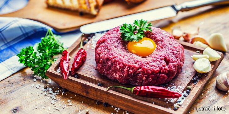 500g tatarský biftek v hotelové restauraci: 2× mleté masíčko a až 20 topinek