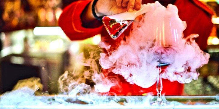 4 speciální koktejly podle vlastního výběru v prvorepublikovém baru v centru