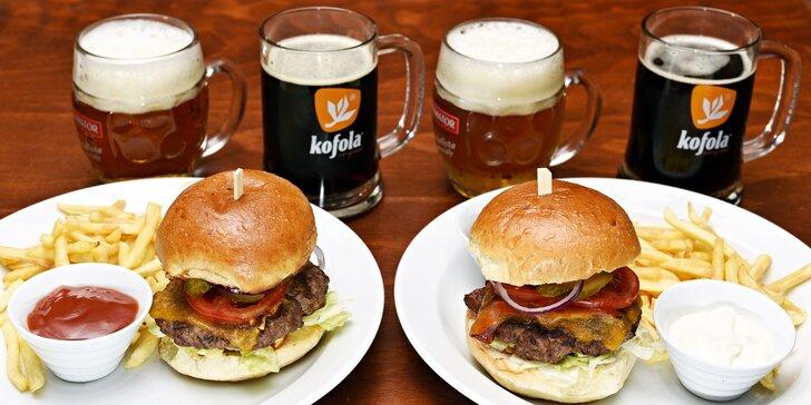 Burger s hranolky až pro 4 osoby a 2× kofola či 12° pivo Janek pro každého