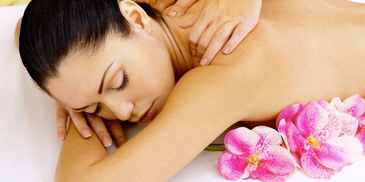 Totální uvolnění: hodinová masáž zad a šíje v salonu Srdce v duši