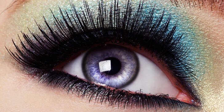 Oči jako šelma: permanentní prodloužení řas metodou řasa na řasu