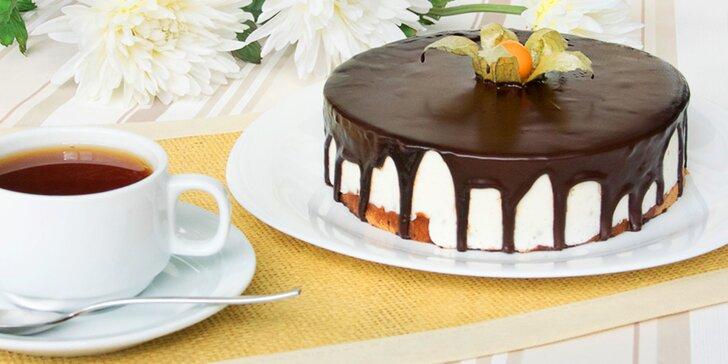 Oslaďte si oslavu: Soufflé dort dle výběru ze 4 druhů o průměru 20 i 25 cm