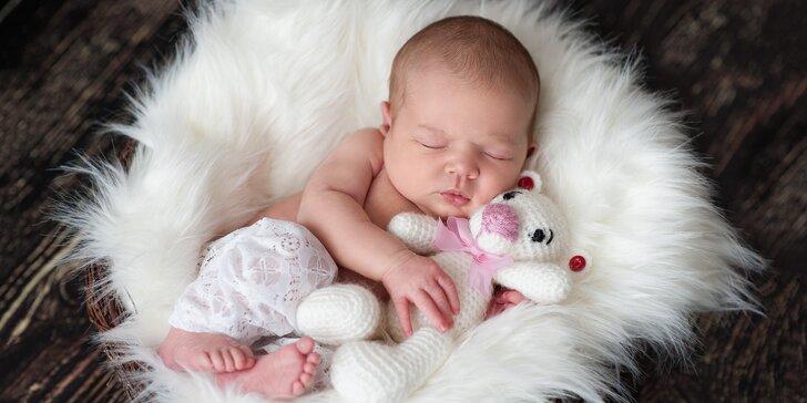 Novorozenecké nebo také těhotenské focení ve specializovaném studiu