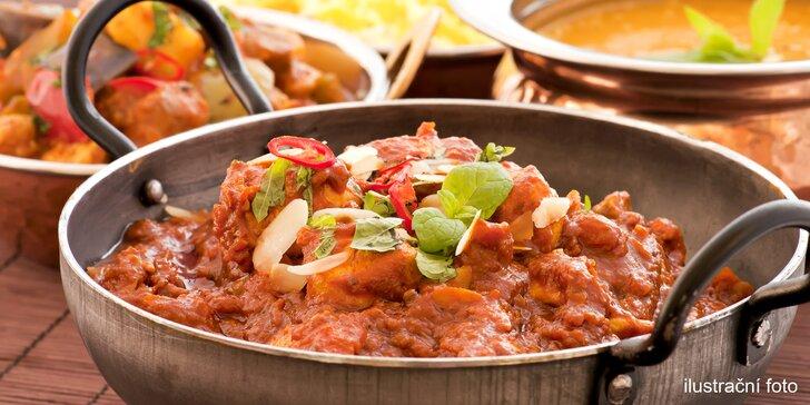 Indické menu s polévkou a hlavním jídlem: kuřecí i vegetariánská varianta