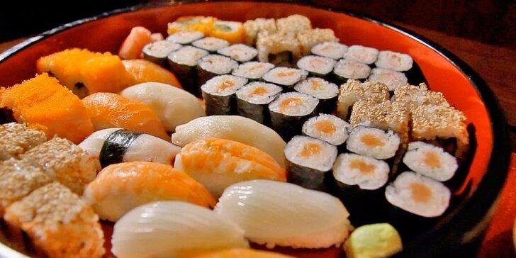 Kouzla Asie: až 72 kousků sushi vč. plněných taštiček a polévky pro 2