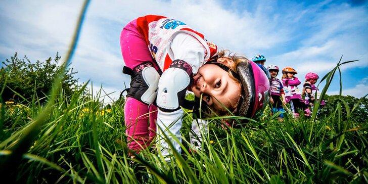 Všestranný sportovní kroužek pro děti 3–6 let: kolo, skateboard i brusle