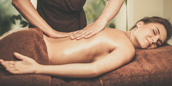 Kafrová masáž proti bolesti nebo účinná masáž proti celulitidě
