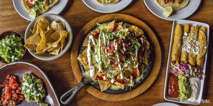 Vegetariánské nebo masové plato tradičních mexických dobrot pro dva