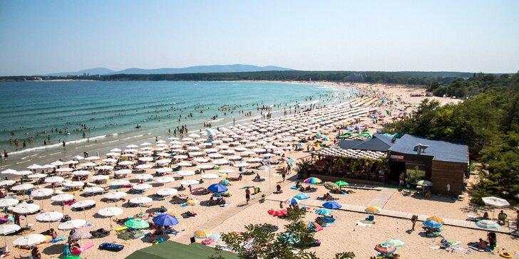 Letecky do bulharského Primorska: 7 nocí v rodinném hotelu přímo na pláži