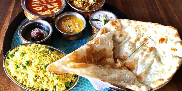 Indické menu pro 2 osoby: vegetariánské i kuřecí speciality a dezert