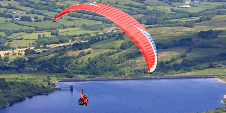 Vyhlídkový tandemový let: ukázka paraglidingu, fotky z akce a super zážitek