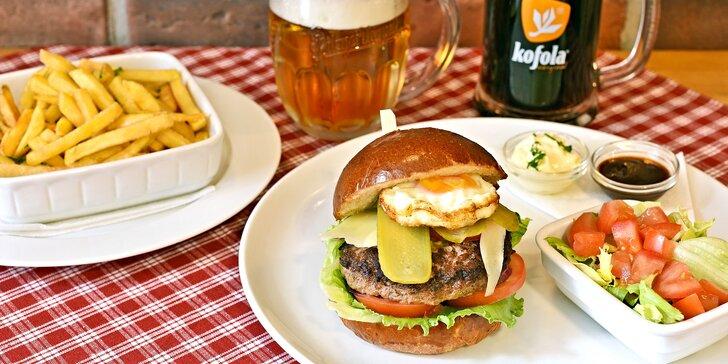 Nálož pro 1 nebo 2: 300g americký burger dvouručák s pivem či kofolou