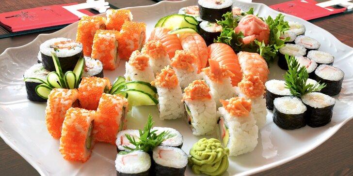 Sushi set s 26 nebo 44 kusy: s lososem, máslovou rybou nebo třeba s krabem
