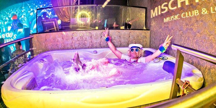 Párty v klubu: hodina vířivky, litr alkoholu podle výběru i nealko pro 5 osob