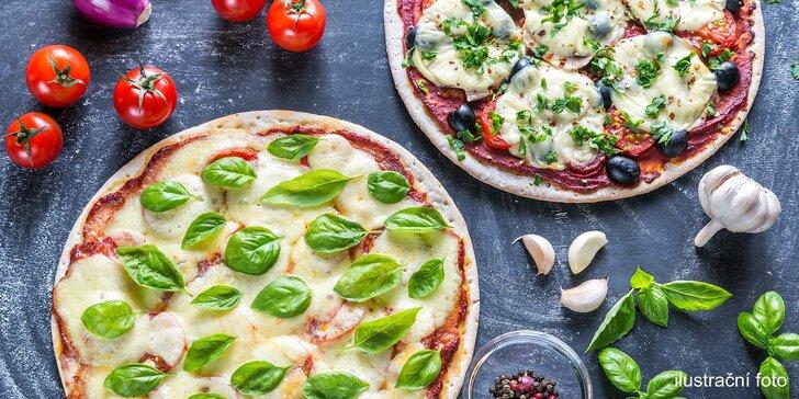 Jako z Itálie: křupavá pizza dle vlastního výběru pro dva