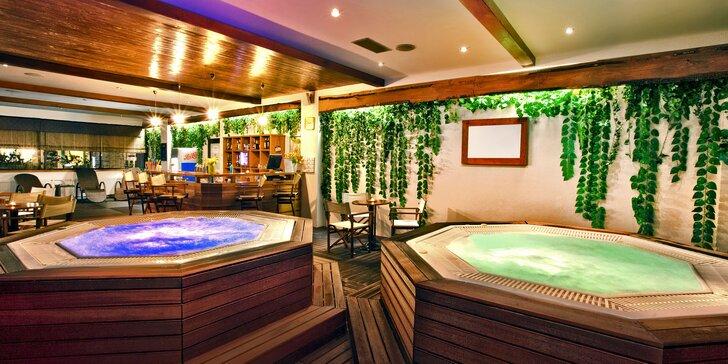 4* wellness pobyt v Tatrách: snídaně či polopenze, bazény i jacuzzi bar pro 2