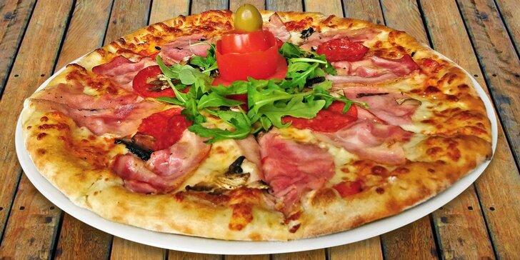 Itálie v centru Liberce: dvě libovolné pizzy v restauraci La Piazza