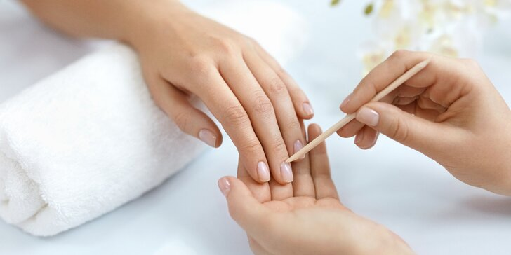 Kompletní péče o ruce: manikúra, masáž, maska i s možností P.shine
