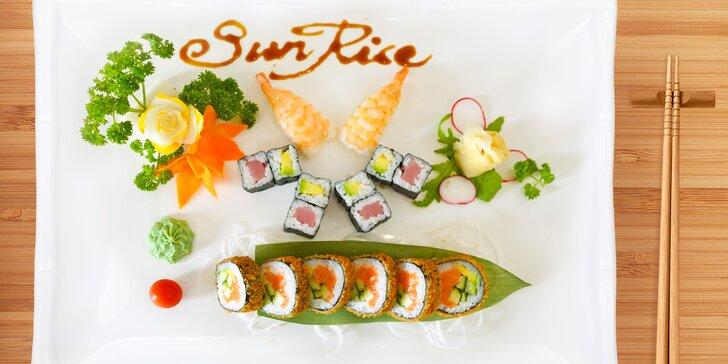 Sushi sety s 16 až 32 ks: rolky s lososem, tuňákem, krevetami i avokádem