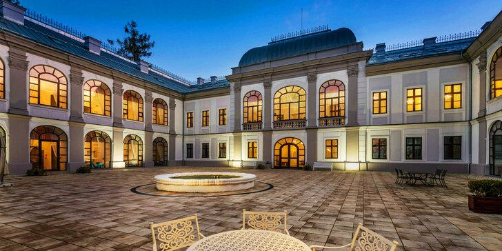 Romantika pro 2 na zámku v Považské Bystrici: moderní polopenze i wellness