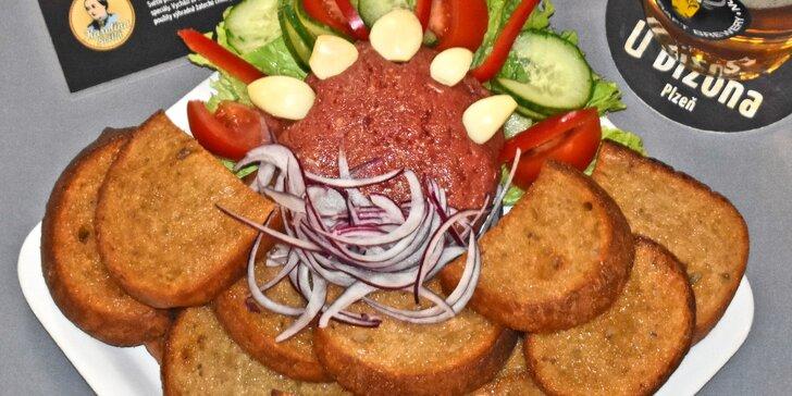 Pořádná porce: 450g namíchaný tatarský biftek + 15 ks topinek