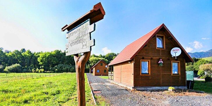 Až na vrcholky hor: pobyt až na 4 noci v dřevěném srubu s vlastní terasou