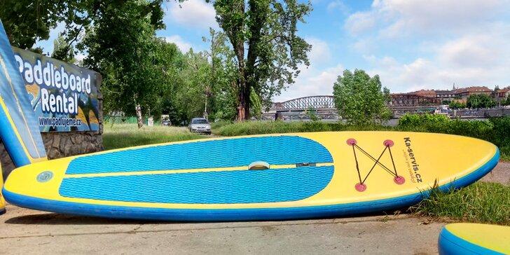Zapůjčení paddleboardu a vybavení k závodu Prahou přes tři jezy