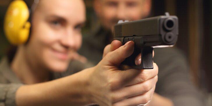 Střelba z pestré škály krátkých i dlouhých zbraní, 15 až 77 nábojů v 1 balíčku