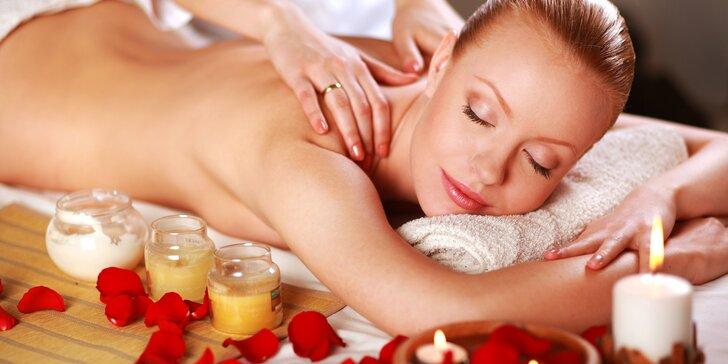 Hodina relaxace: celotělový zábal a masáž zad a šíje vonnými oleji