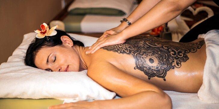 Thajské masáže v salonu Lotus v centru města: tradiční, kokosová i partnerská