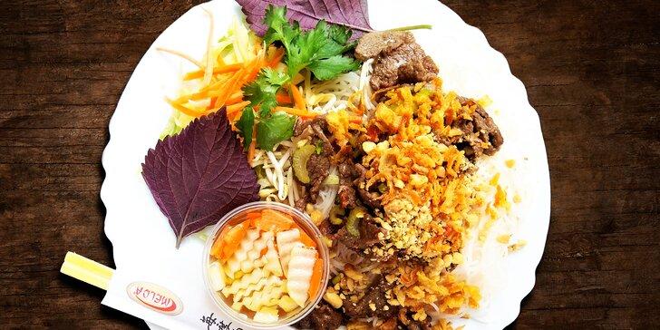 Vietnamské Bún bò Nam Bộ k odnosu s sebou pro 1 nebo 2 osoby
