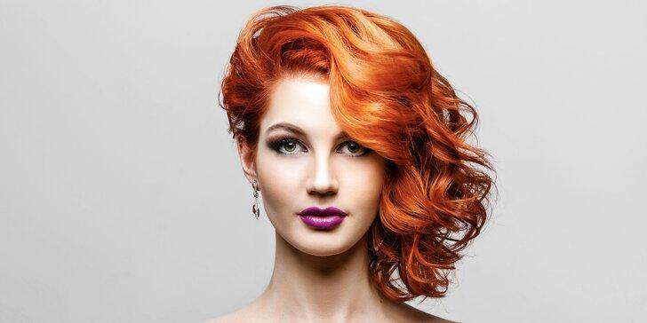 Střih a foukaná s možností melíru či barvy pro všechny délky vlasů