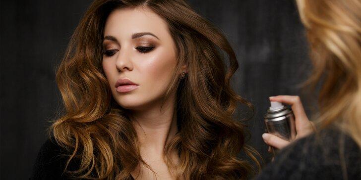 Dámské kadeřnické balíčky: střih, barva nebo melír pro krásné vlasy