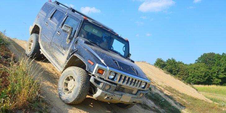 Adrenalin v terénu: jízda v obřím Hummeru H2