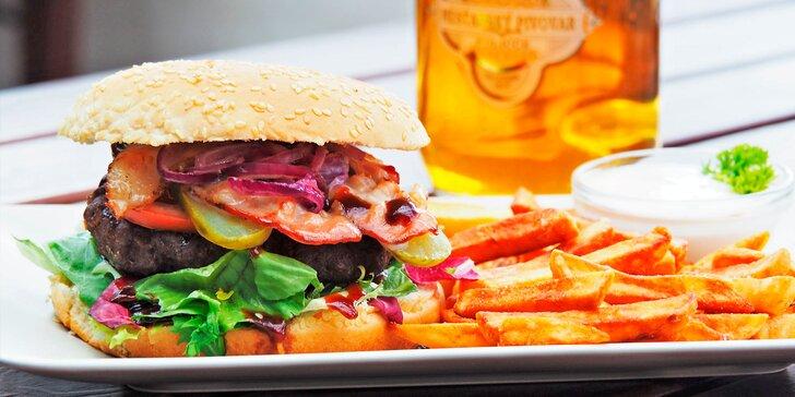 Pořádně se najezte: Bacon burger, hranolky a dip podle výběru pro 1 i 2