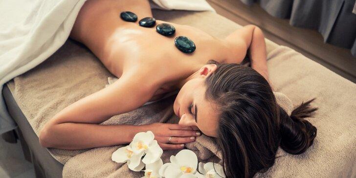 Masáž zad lávovými kameny i s možností relaxační masáže obličeje a dekoltu